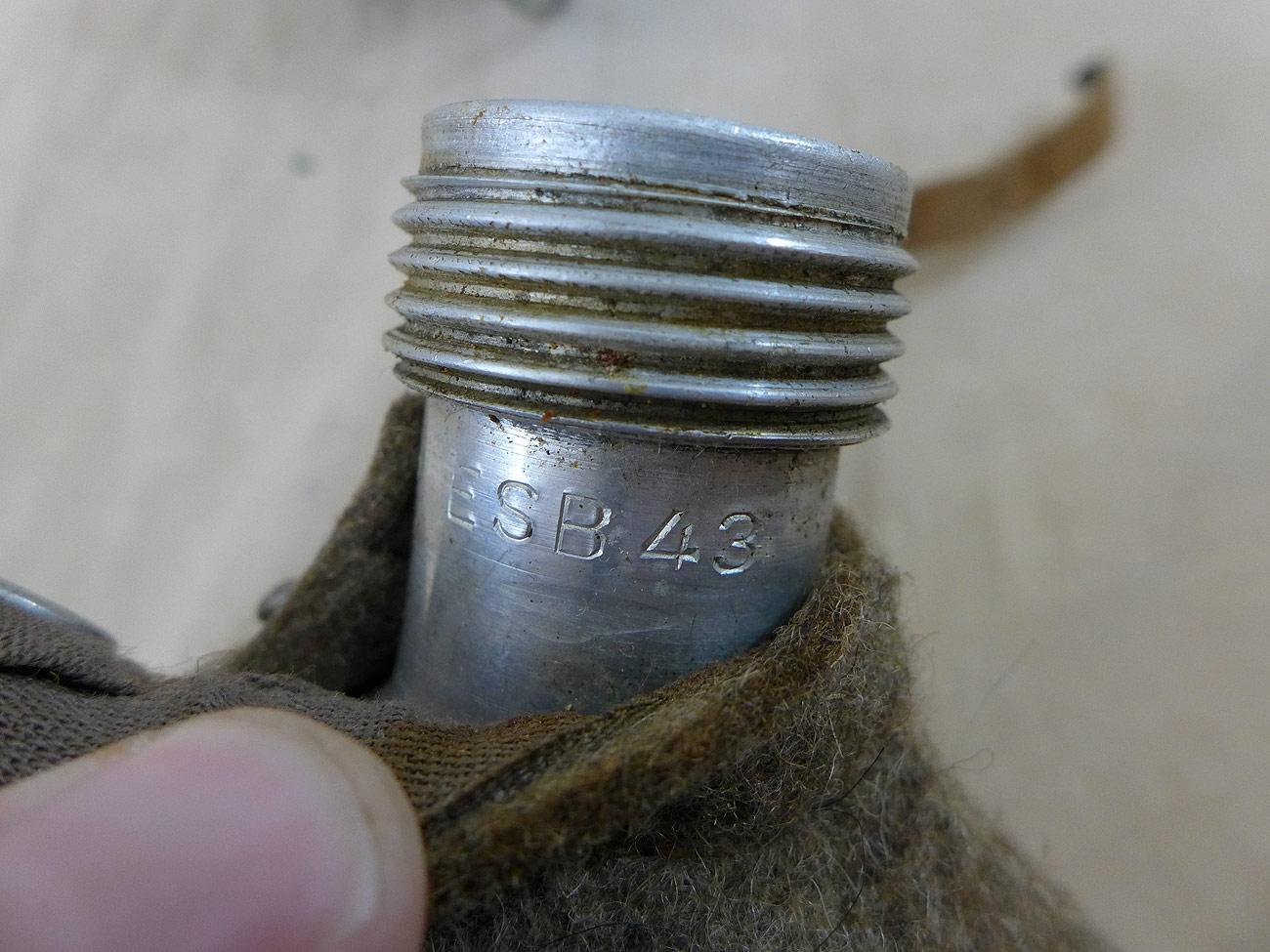 wehrmacht feldflasche esb 43 mit aema becher 1942 emailliert ebay. Black Bedroom Furniture Sets. Home Design Ideas